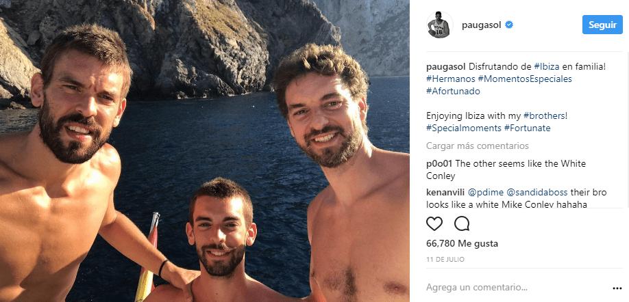 Los hermanos Gasol, de vacaciones en familia.