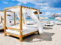 La mejor selección de beach clubs y bares en Ibiza