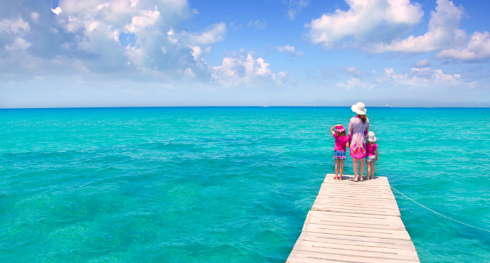 6 Beaches in Ibiza to Enjoy With Your Kids