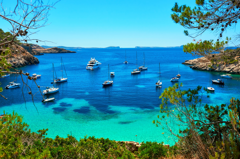 4 calas para perderse en Ibiza